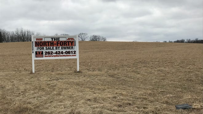 Neumann Developments Inc. was hoping to build a 126-unit ranch-style condominium development on 80 acres between Mary Hill subdivision and Winkleman Road in Hartland. The village board unanimously shot down the proposal.