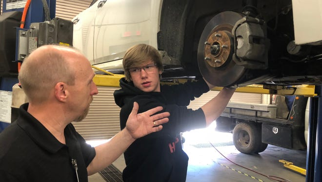 South Side High School's Kelly Smythe in the spotlight as one of 12 winners of a national video contest by Lincoln Tech, a technical college in Nashville.