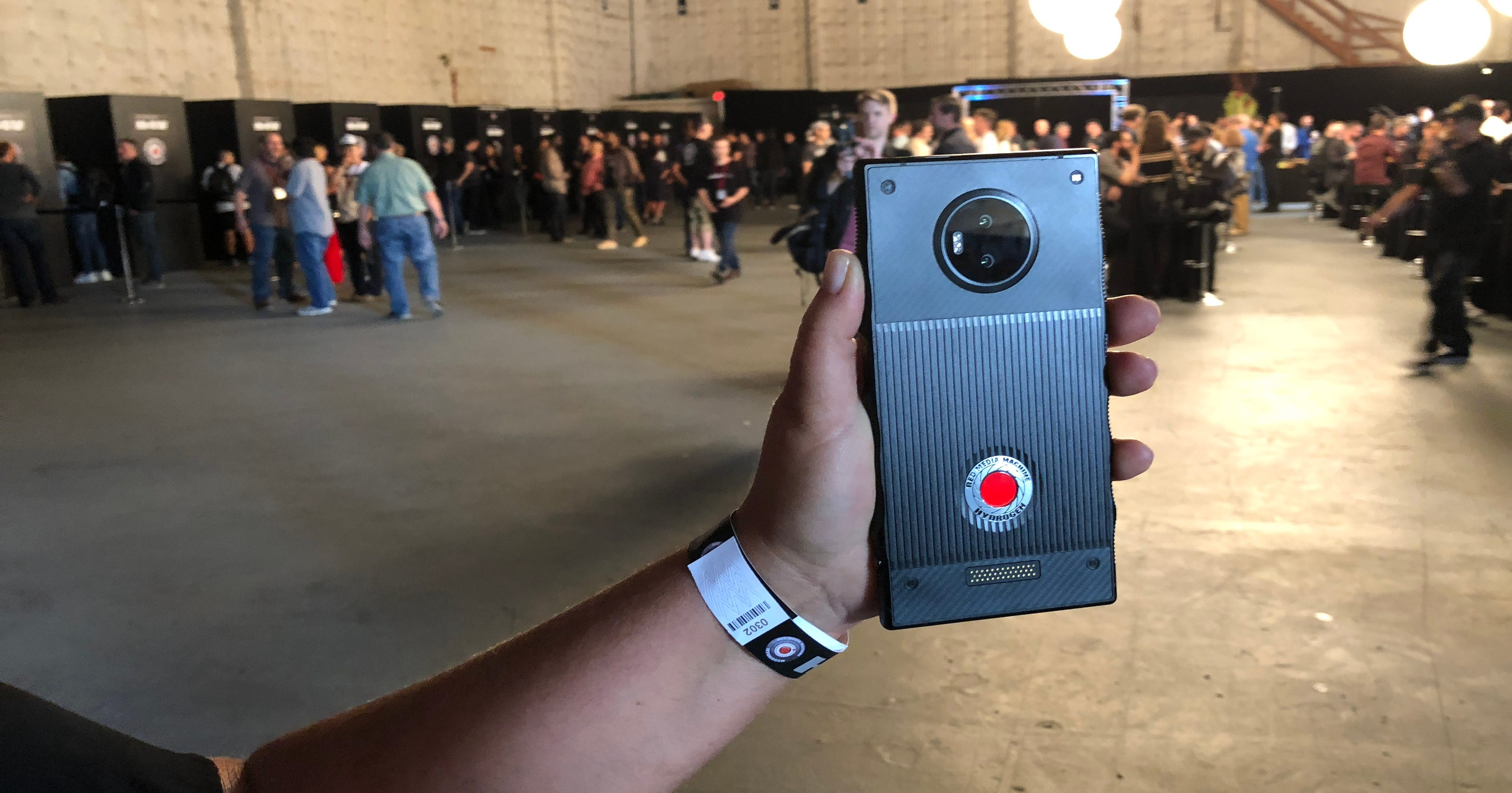 Hands on with RED Hydrogen One holographic phone
