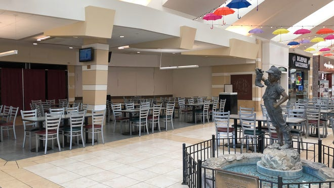 Another storefront in the Wausau Center mall is vacant, following the departure of Lao'D Eatery.