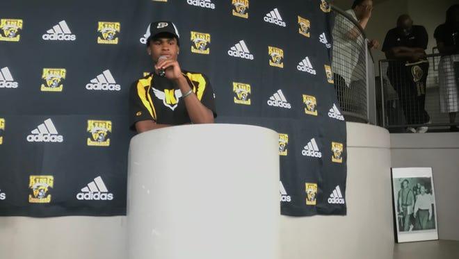 Marvin Grant Jr. tells his Detroit King teammates why he chose Purdue.