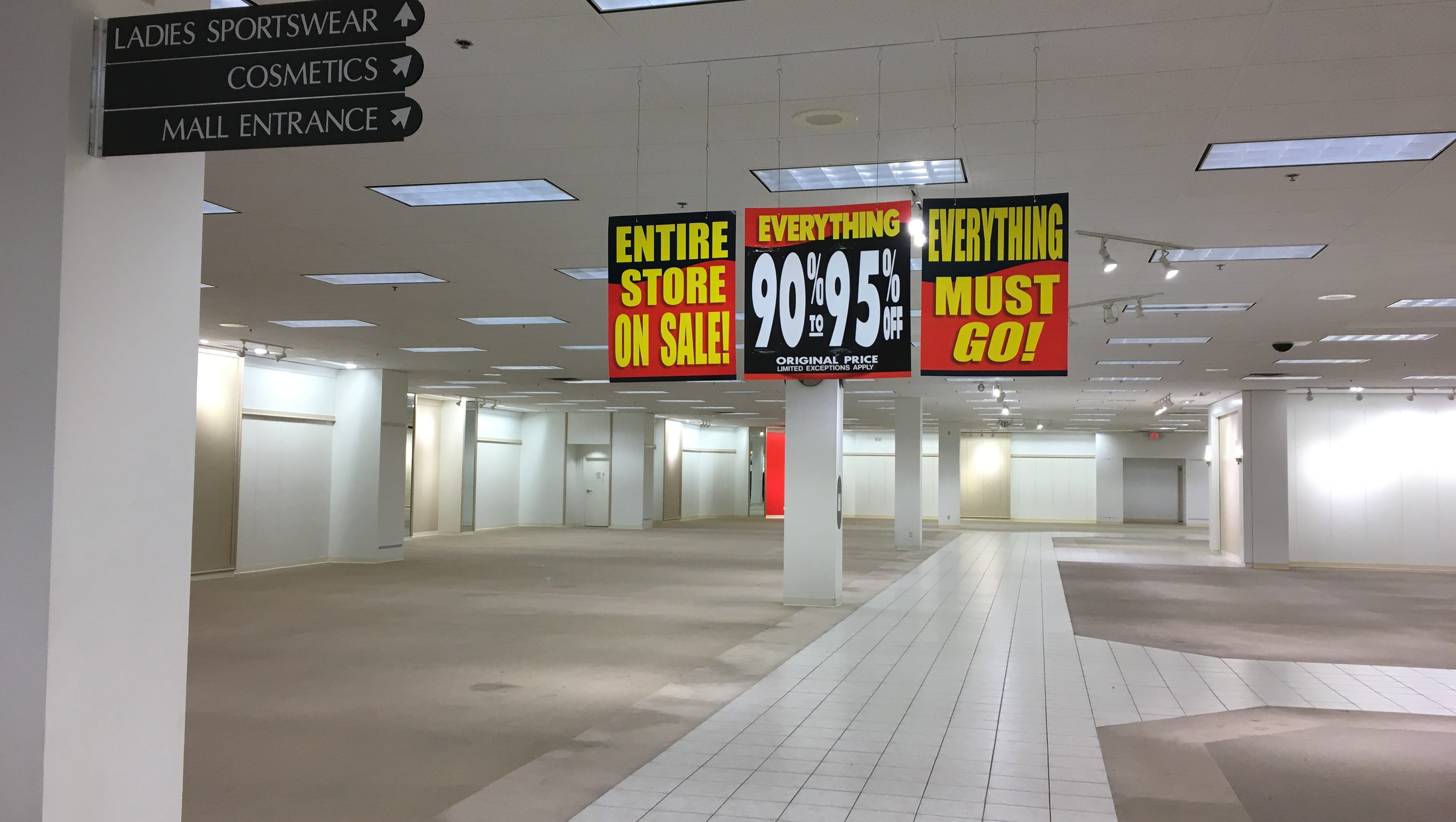 Fox River Mall: What readers want in the vacant Younkers space