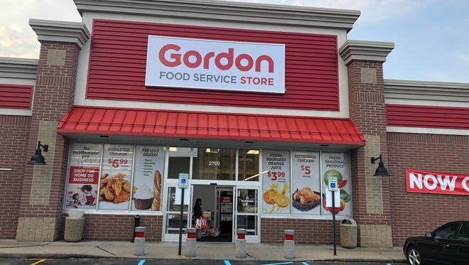 A new Gordon Food Service Store opened Monday in Detroit on Jefferson Avenue.