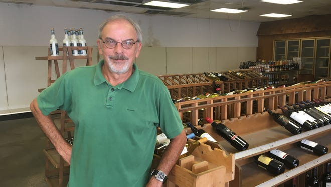 Steve Tambornini, who has owned McGregor's Liquors in Murfreesboro for 28 years, is closing up shop.