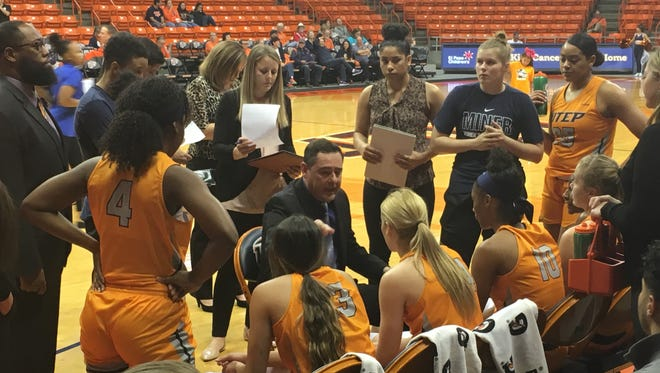 UTEP coach Kevin Baker instructs his team during the game against Middle Tennessee.