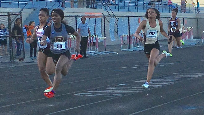 Semira Killebrew anchors Brebeuf Jesuit to first place in 47.58 in 400-meter relay.