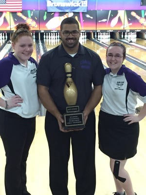 Glen Este bowling team includes, from left, Courtney Chaffin, coach Kevin Briggs and Drew Coulter.