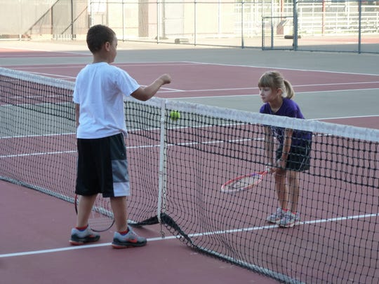 Treyden Sims (left) and Camryn Duncan (right) compete
