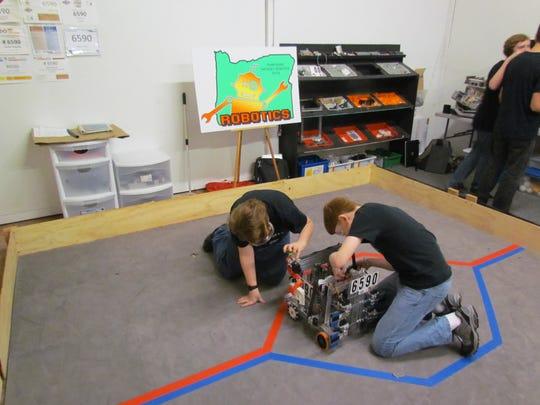 Tuning up the bot: Ratchet Robotics Team 6590, a group