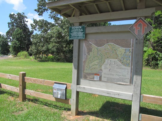 One of the hiking trails at Elinor Klapp-Phipps Park.