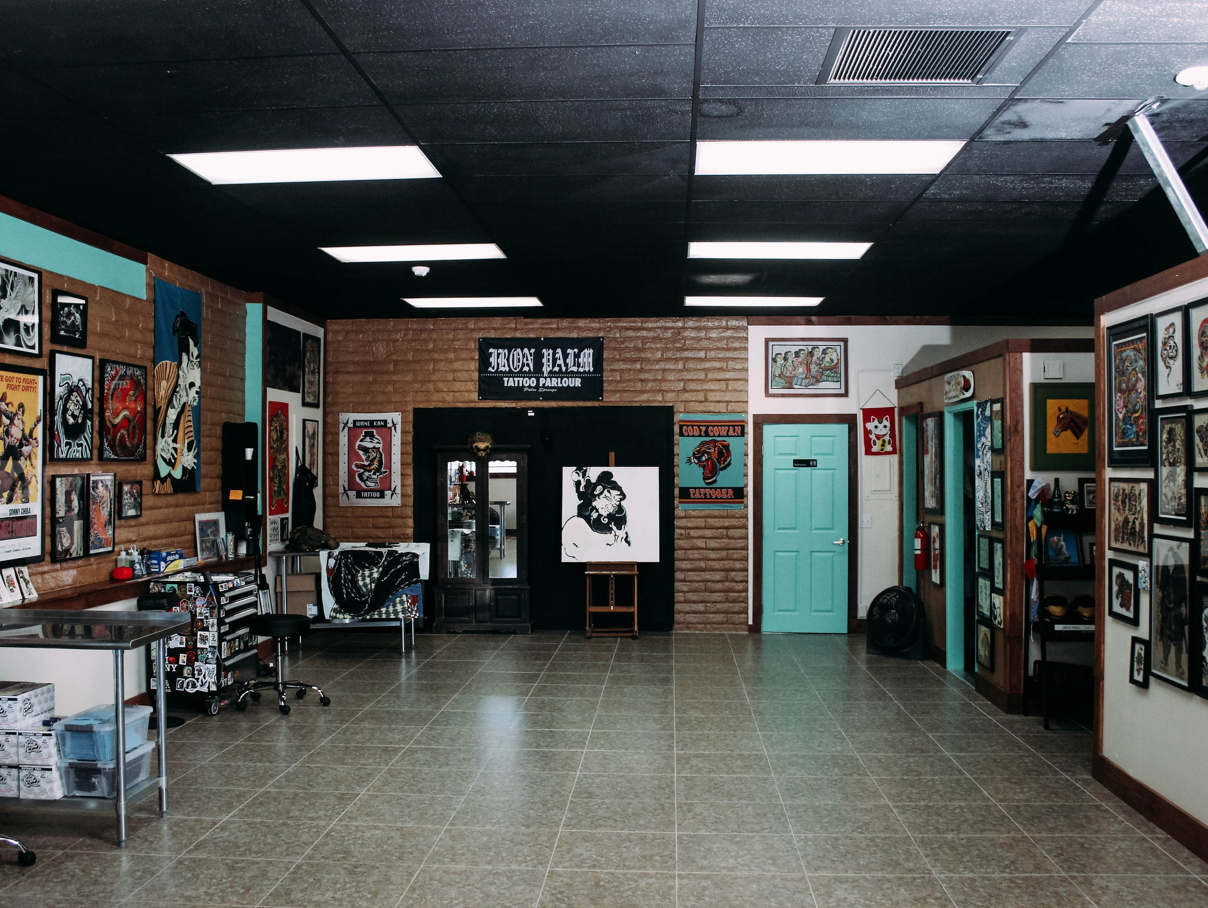 palm springs tattoo shop has classic vibe
