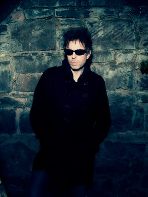 Echo and the Bunnymen, featuring Ian McCulloch, will release its album 'Meteorites' June 3 on 429 Records.