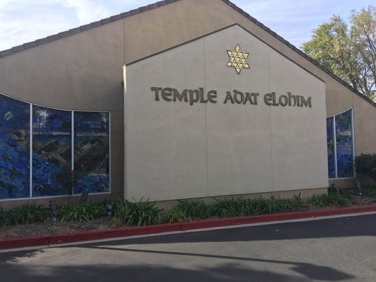 Temple Adat Elohim in Thousand Oaks served Christmas
