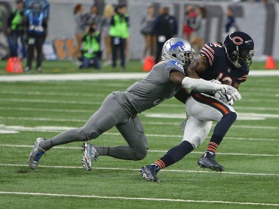 Lions cornerback D.J. Hayden tackles Bears WR Markus