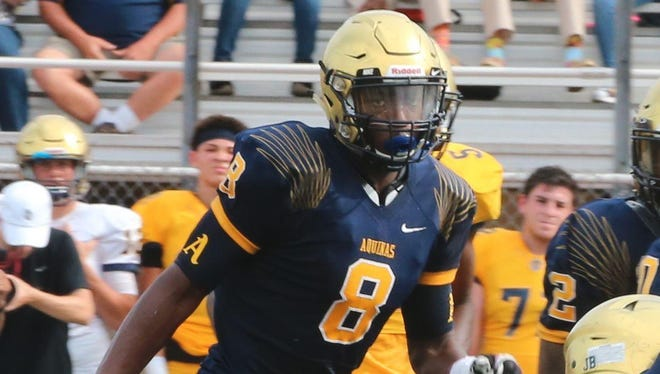 Lashawn Paulino-Bell is a three-star weakside defensive end from Ft. Lauderdale St. Thomas Aquinas. The 6-foot-3, 230-pound prospect also reportedly had scholarship offers from Georgia, Mississippi State and Notre Dame, among others.