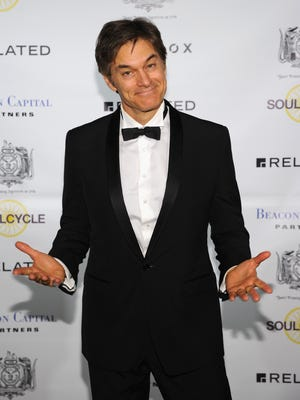 Dr. Mehmet Oz attends The Hasty Pudding Institute of 1770 Order of the Golden Sphinx Gala 2015 at The Plaza Hotel on April 13, 2015 in New York City.