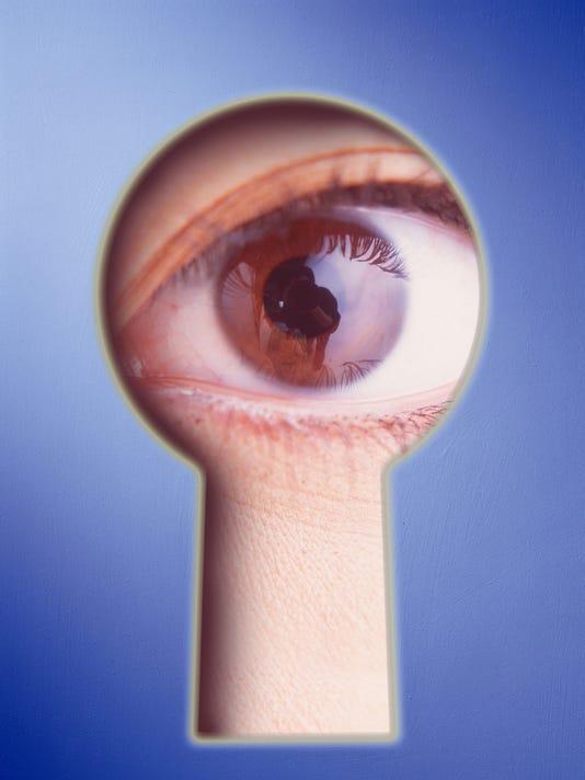 635968175084284587-spy-eye.jpg