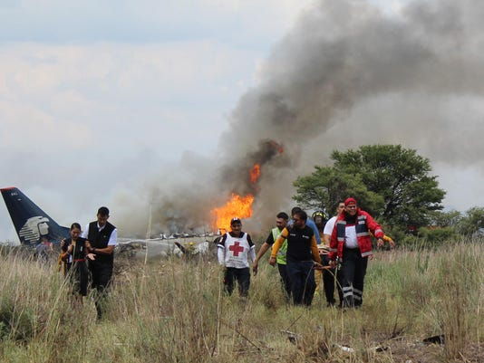 APTOPIX Mexico Airliner Accident