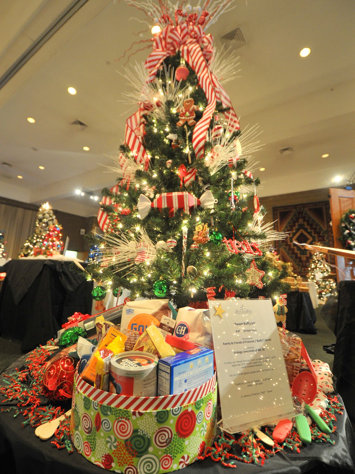 A tree lights up the room at Stoney Creek Inn in Rothschild