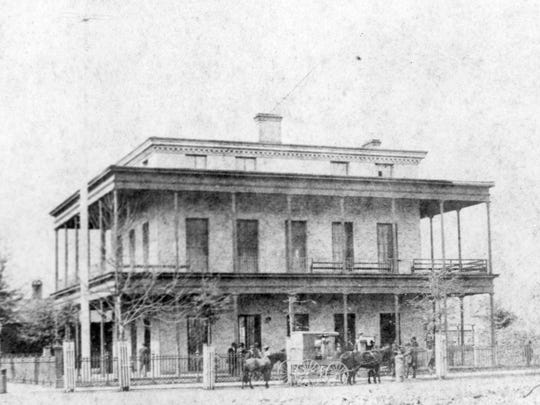 In 1851 a three-story home for the federal bench, customs service and post office was built at the corner of Palafox and Government. The building burned in the 1880 fire that destroyed several blocks in downtown Pensacola.