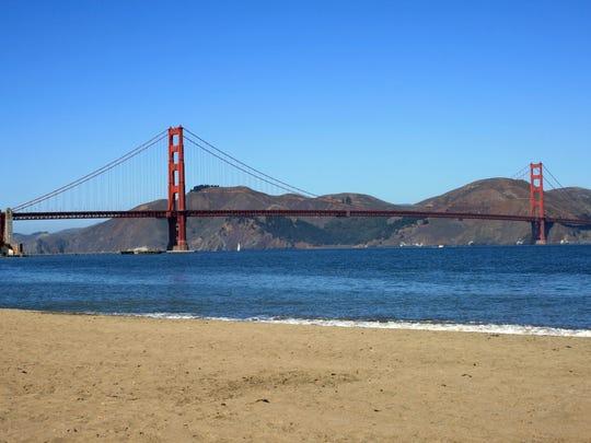 Can A Dogs Run Across The Golden Gate Bridge