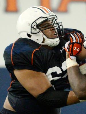 Chad Slade returns as Auburn's starting right guard.