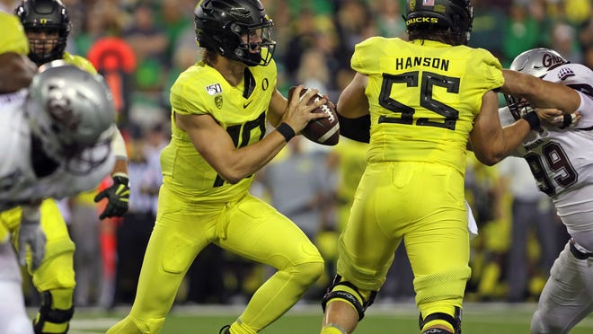 As a center at Oregon, Jake Hanson (55) will have a shot at becoming the Packers' primary backup to starter Corey Linsley.