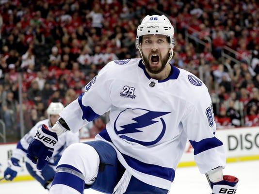 APTOPIX_Lightning_Devils_Hockey_56024.jpg