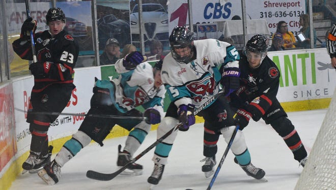 The Shreveport Mudbugs will attempt to end a three-game slide at Topeka on Saturday.