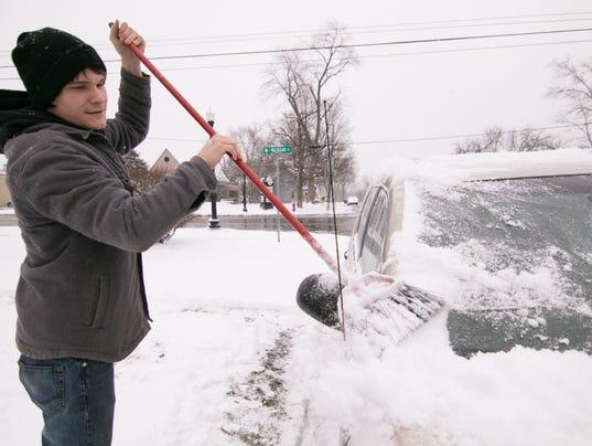 636528291581509304-Sudden-snowfall-01.jpg