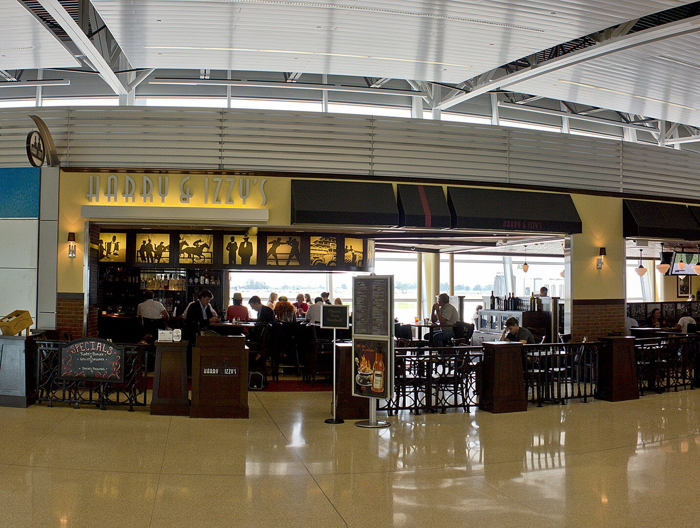 airport-dining-indy