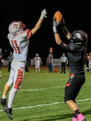 Bellevue WR Carson Betz (1) catches a pass for the