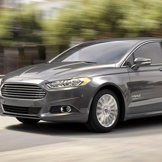Ford recalls Fusions, Escapes that could roll away