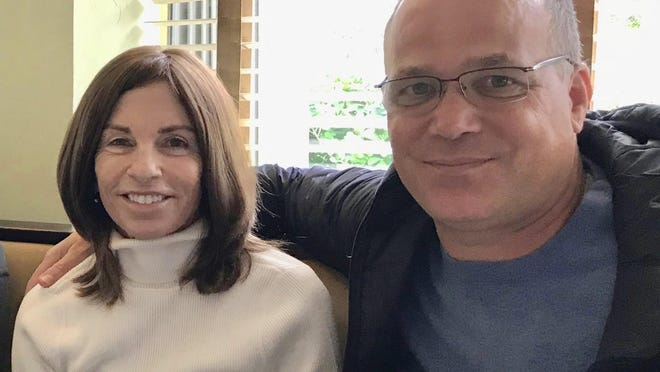 Jeanne Evert Dubin, left, died Thursday at the age of 62. The younger sister of tennis legend Chris Evert, Evert Dubin was living in Delray Beach.