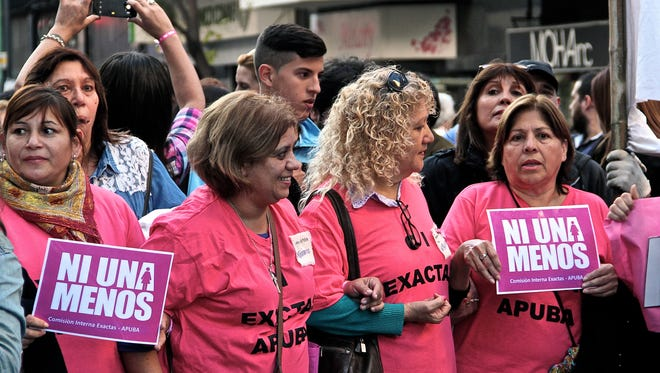 Argentine organizations organized Wednesday's march against femicide across Argentina.