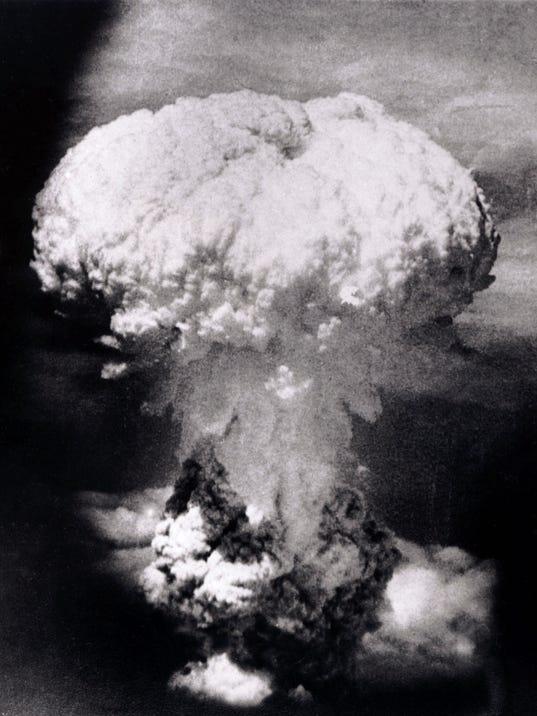 Nagasaki_atom_bomb