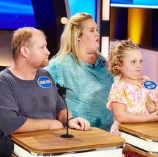 """'Sugar Bear', 'Mama June' and 'Honey Boo Boo' in an appearance on """"Family Feud"""""""