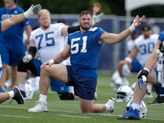 Colts_Defensive_Switches_Football_93453.jpg
