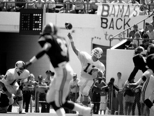 Vanderbilt quarterback Mark Wracher fires a long pass downfield for a receiver against Alabama on Sept. 6, 1986.