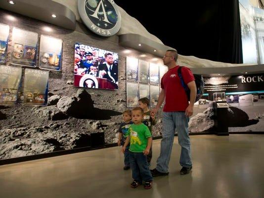 Apollo Exhibit at NAS_10.jpg