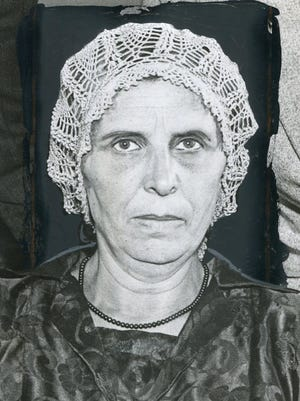 Rose Veres was known in her Delray neighborhood for keeping a tight leash on her boarders, treating them like her own children. But the 1931 death of one of her boarders, who fell from a ladder outside her home, drew suspicions that led to a murder trial.