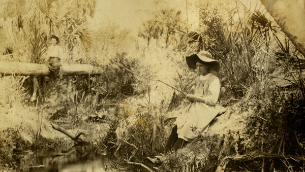 Koreshan girls fishing.