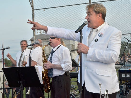 Steve King and the Dittilies headline the winter concert