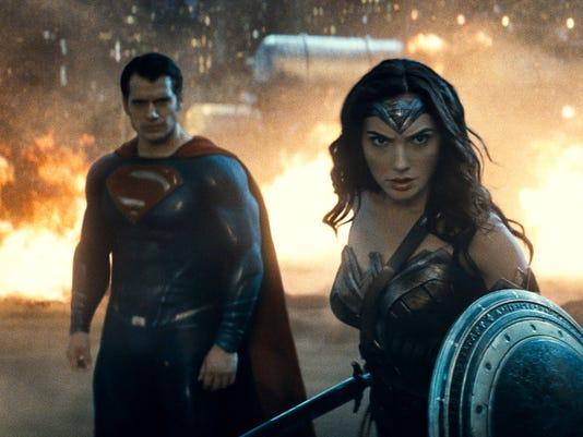 AP FILM BATMAN V SUPERMAN - WONDER WOMAN A ENT
