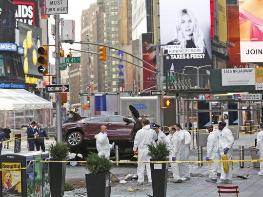 Times Square Crash (3)