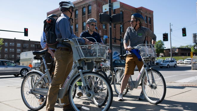 Former Mayor of Minneapolis recently took a tour around Des Moines to learn about the city's efforts to improve biking and walkability.