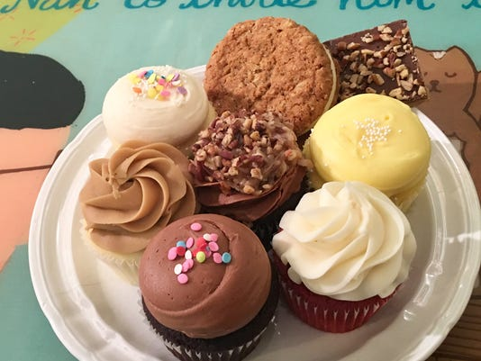 636553707436002121-cupcakes1.jpg