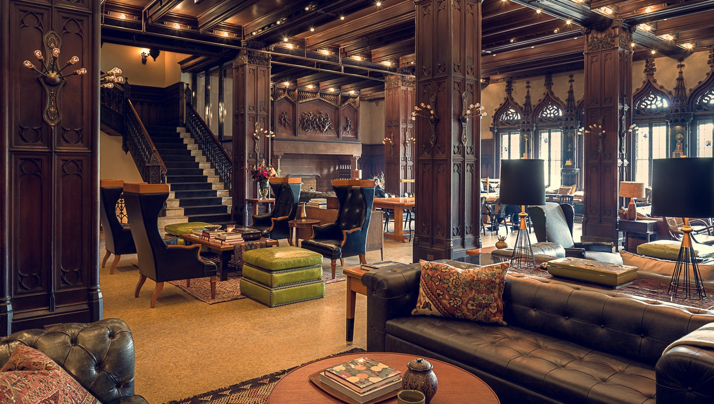 Hotels debut across downtown chicago for Downtown chicago lodging