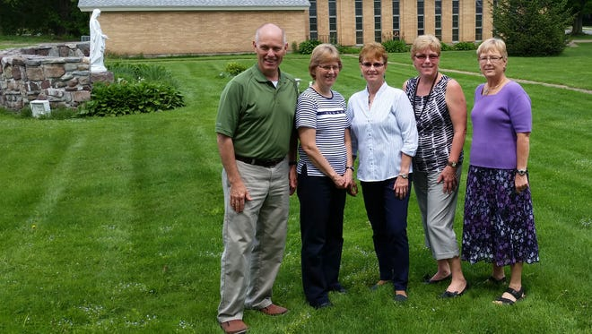 Charles (Chip) Malone, Darlene McArdell, Dale Axtell, Nancy Harter and Debby Allen.