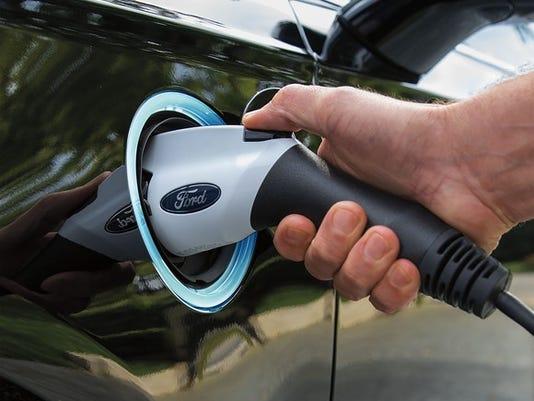 2017 Ford Fusion Energi Plug Detail Large Jpg